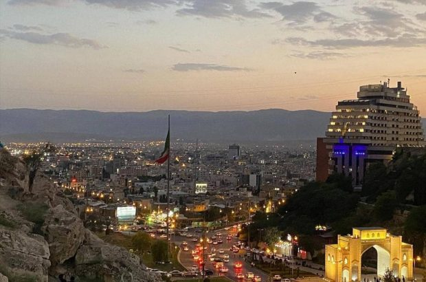 خال رخ هفت کشور/ امروز نیمه اردی بهشت و روز شیراز است.