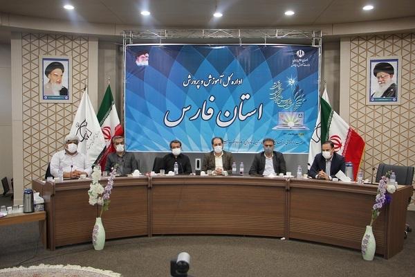 واکسیناسیون معلمان فارس از امروز