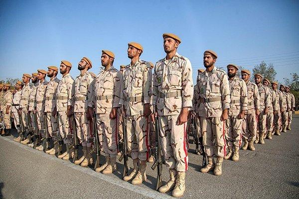 دو سوم اضافه خدمت سربازان بخشیده شد